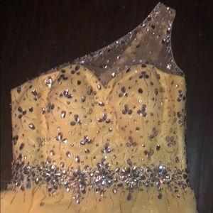 Pastel Yellow Homecoming/Mid-Length Dress